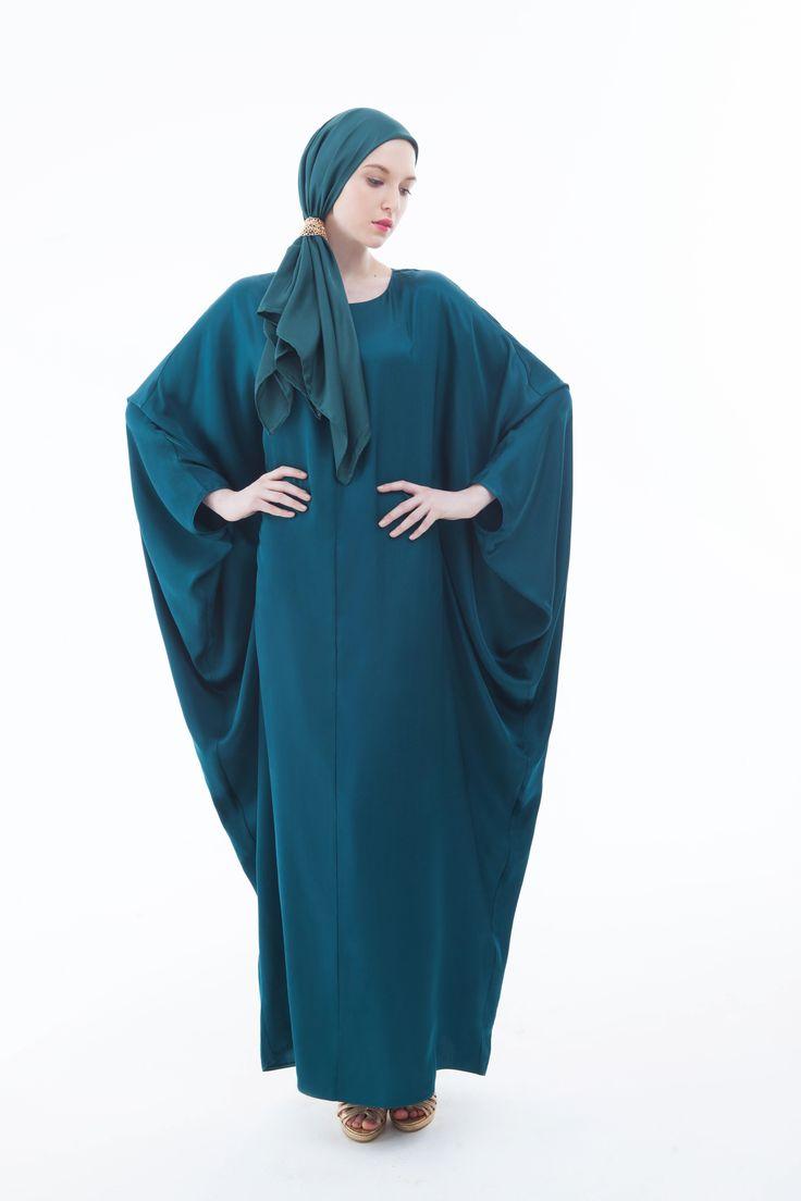 http://bellakareema.ru/catalog/odezhda/platya/plate-abaya-izumrud-/