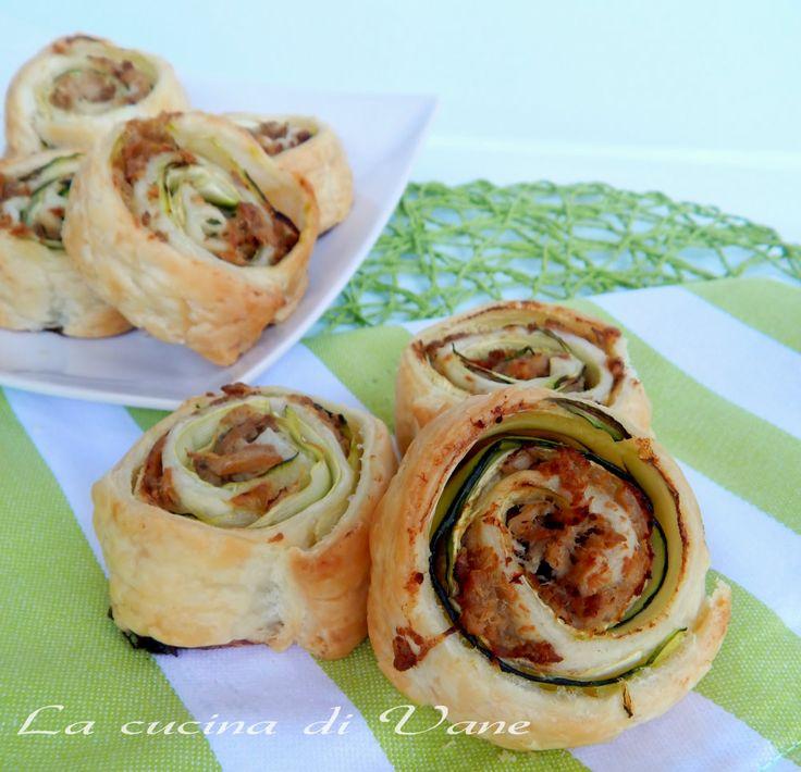 girelle di sfoglia tonno e zucchine, ricetta facile veloce appetitosa,ricetta con la pasta sfoglia, ricette con tonno e zucchine, ricetta finger food golosa
