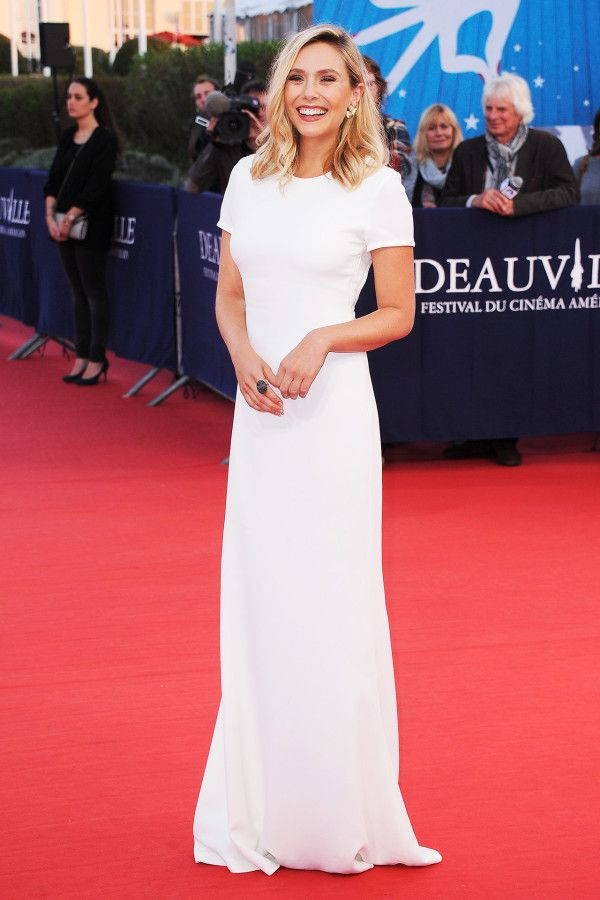 Elizabeth Olsen in Calvin Klein No bells or whistles necessary—Elizabeth's crisp, figure-hugging frock made a statement all its own.