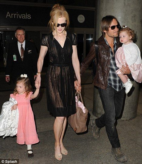 Cannes Film Festival 2013: Nicole Kidman protects her pale