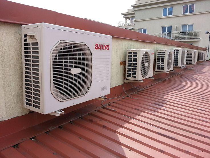Montaż systemu klimatyzacji marki Sanyo, jednostki zewnętrzne umieszczone zostały na dachu budynku