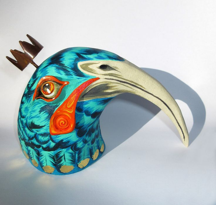Huia Bird created by Glen Colechin & Cinzah Seekayem for the Tiny travelling Gallery