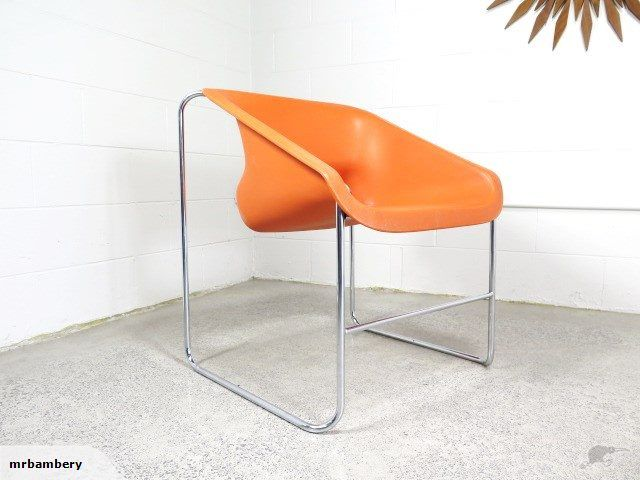Up for auction today folks is this Modernist and original orange 'Lotus chair' designed by Paul Boulva for Artopex in 1976 for the Lotus series.