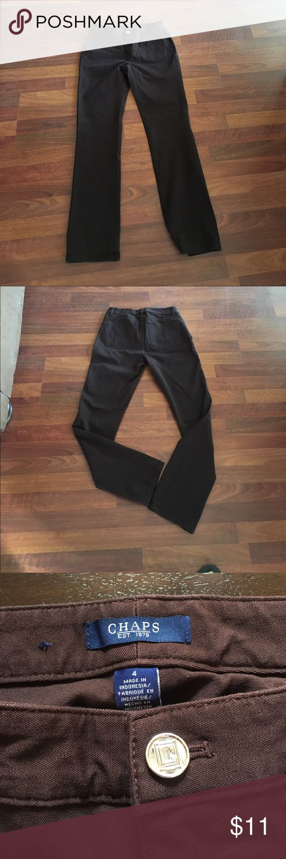 Chaps ladies pants Chaps ladies crop pants.  Sets right on ankle. Really cute in. Color is brown.  Size 4. Great for fall and winter🍂👢. Like new. Thank for looking💋 Chaps Pants Ankle & Cropped