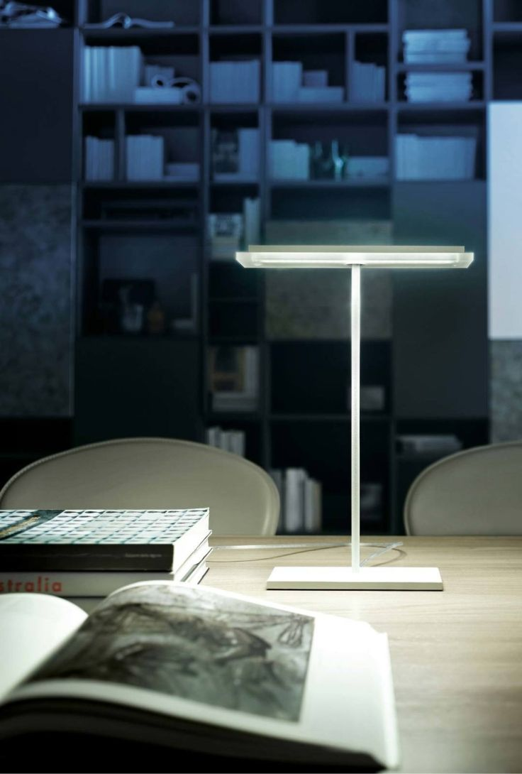 DUBLIGHT A designer table lamp with defined, minimalist lines. Italian Designer Lighting. Take a look.
