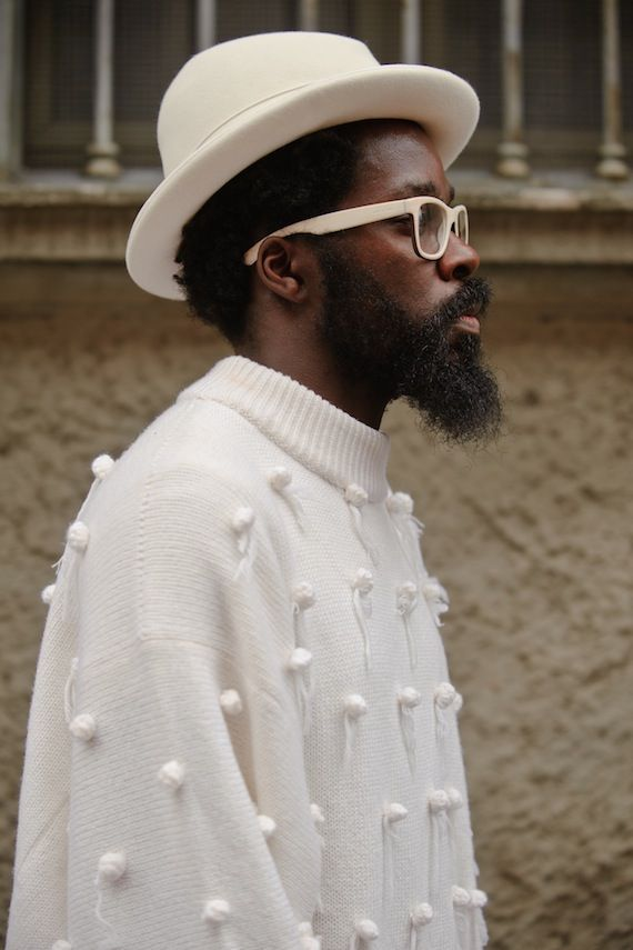 www.jasmology.com white trilby hat_ white jumper_white_raybands_Milan mens fashion week Street Style_15_autumn_winter 2014_2015_Street Style_12