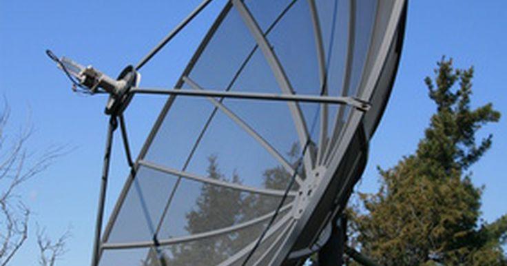 Cómo construir una antena parabólica de cable. Una antena parabólica de cable puede ser adquirida e instalada con el fin de mejorar en gran medida la selección, disponibilidad y recepción de los canales que están en la televisión. La mayoría de las antenas parabólicas de cable pueden ser adquiridas junto con todas las partes necesarias para la construcción e instalación de una antena. Para que ...