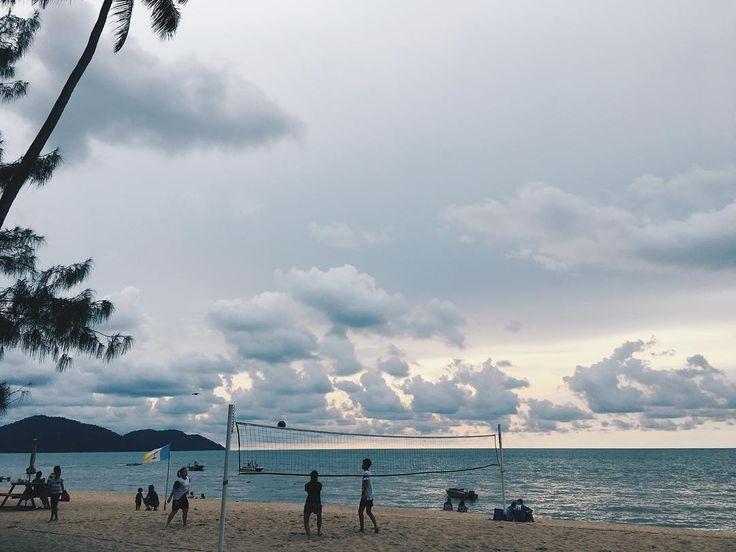 #latergram #batuferringhi #beachvolleyball #malaysia #penang #iphone #vsco #vscocam #vscogood