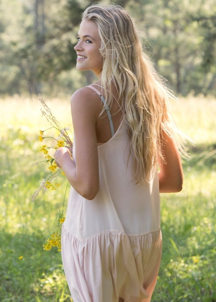 Aaaah  totally Jade in her white dress   Das Wettrennen ❤ I love Gabriella Wilde as Jade