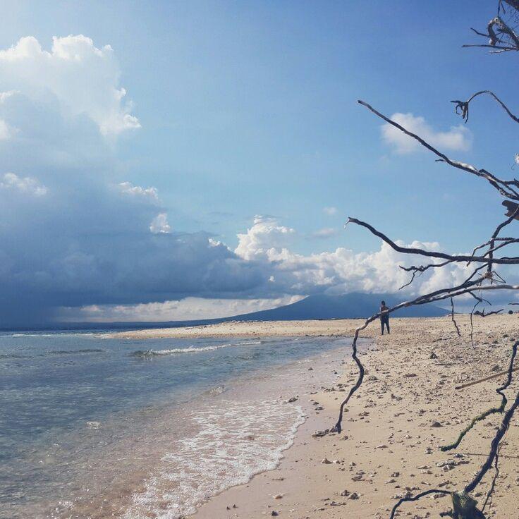 Pantai Pulau Tabuhan, east Java