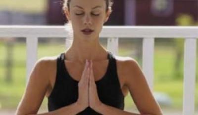 Joga i stretching łagodzą bóle kręgosłupa!