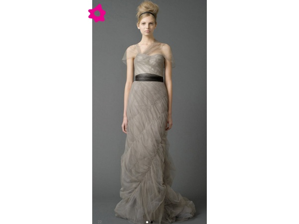 Vestido de novia color gris