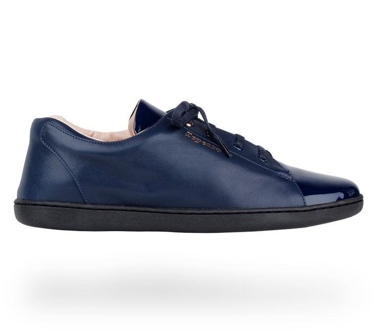 Sneakers 'Chouchou': Classic blue Patent leather and Calfskin. #Repetto #RepettoSneakers #RepettoRunners