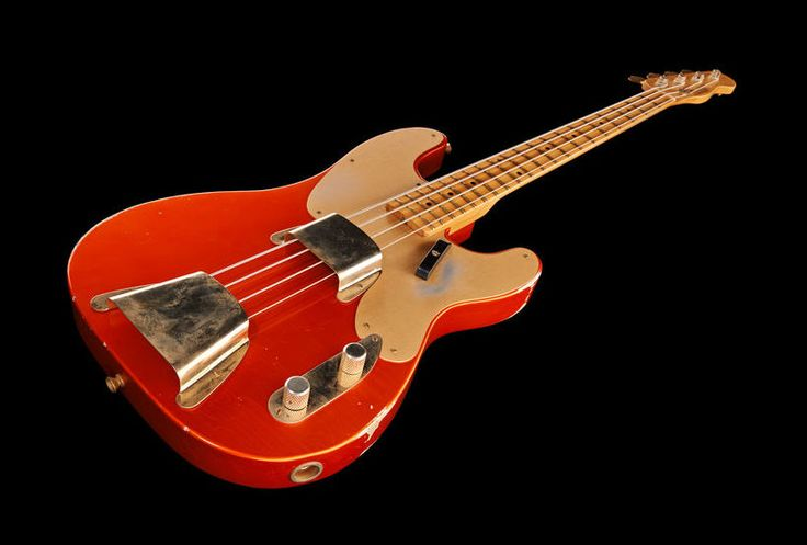 Fender 2013 Relic 51 Preci Candy Tangerine, bass guitar, ash body, onepiece quatersawn maple neck, vintage gold hardware, colour: candy tangerine.