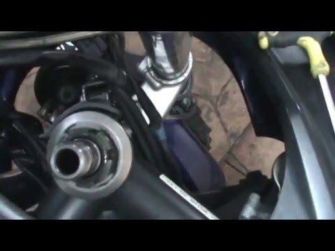 Yamaha FZS 1.000 FAZER (2005) Ajustar la dirección. Adjustment steering.