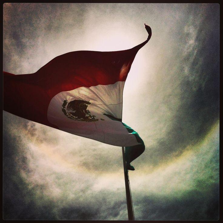 Nuestra Bandera ondeando desde Plaza de Fundadores