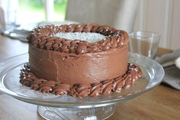 Sjokoladekake med vaniljekrem – Let's Bake