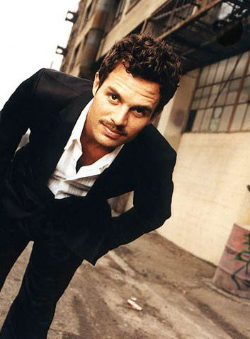 Mark Ruffalo. Cool shot for a male pose, can be adapted for female as well, as long as her shirt is not too low cut.