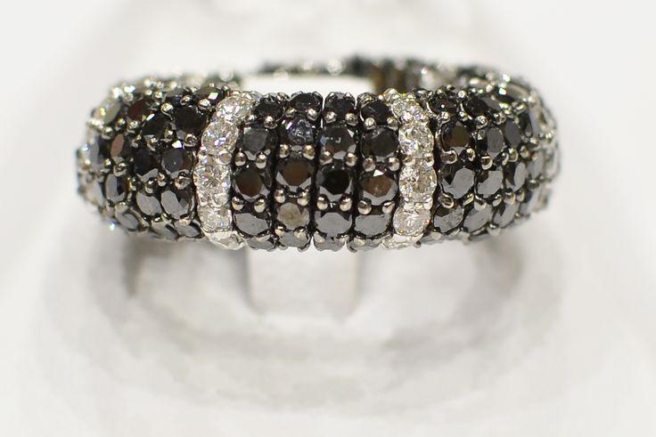 Anello con diamanti neri #luxuryzone #anello #diamantineri #luxury
