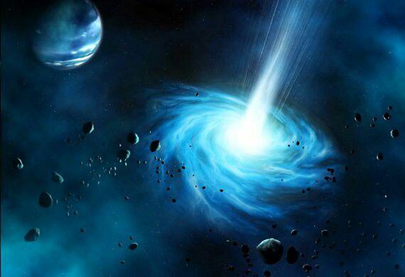 Agujero blanco La teoria de su existencia fue creada bajo la premisa de que si ni la materia ni energia se crean ni se destruyen, entonces, donde van las cosas que se traga un agujero negro? En teoria, un agujero negro absoreve todo a su paso, esta materia y energía pasa a traves de un agujero de gusano y es expulsada por un agujero blanco.
