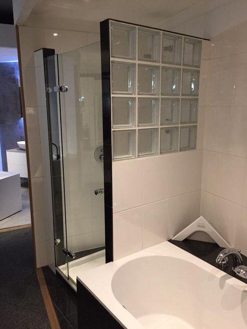 Badkamer glasblokken google zoeken bathroom pinterest zoeken - Voorbeeld badkamer italiaanse douche ...