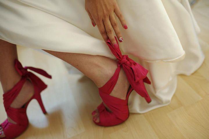 Scarpe da sposa, scarpe da cerimonia, scarpe su misura, sandali da sposa, sandali gioiello, open toe da sposa, scarpe da sposa chiuse, zeppe da sposa, sandali da camera, ciabatte da camera, scarpe sposa tacco basso, scarpe sposa colorate, scarpe sposa comode, stivali da cerimonia, pochette, scarpe e borsa, coordinati scarpa e borsa, ballerine, scarpe donna, sandali tacco basso, scarpe per plantare estraibile personalizzato, scarpe personalizzate, scarpe Swarovski, scarpe da uomo, scarpe da…
