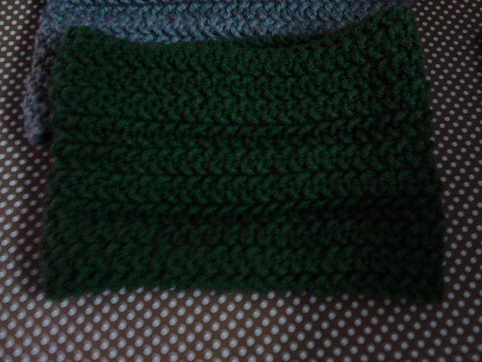 Cuello en punto de arroz tejido en telar por Mar V.
