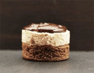 Chokoladekage med Nutella, Snickerscreme og mørk chokoladeganache