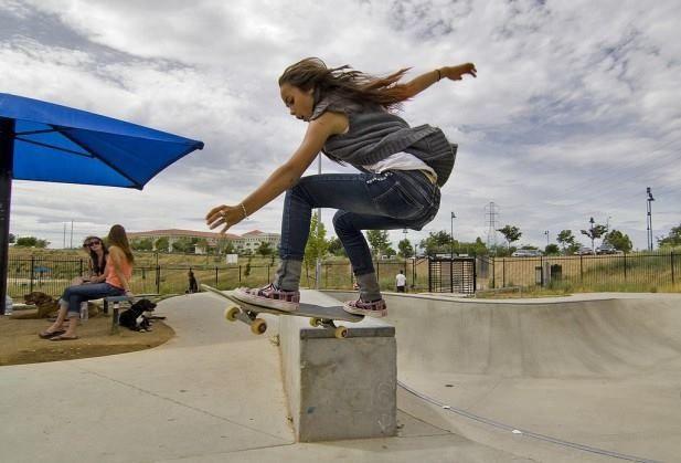 Skate girl Más