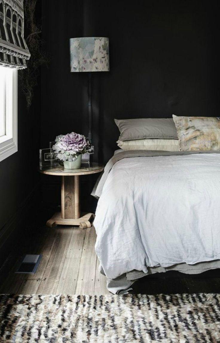 Τα σκούρα χρώματα ταιριάζουν πολύ στη μίνιμαλ διακόσμηση.