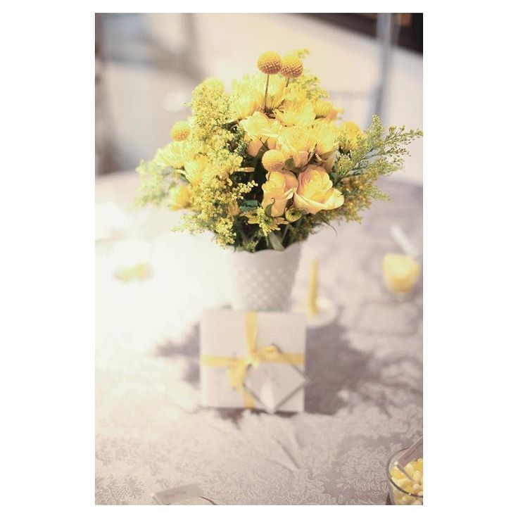 Sooooo bright and cheerful! We  the classic yellow and grey combo that our bride chose for her palette. So fresh and fun  Photo: Oohlala Photography   Coordination: @smittenweddings #smittenandco #calgaryweddingplanner #yycweddingplanner #yellowandgrey #weddingdesign #weddingpalette #freshandfun #smittenweddings #smittenyyc #calgaryweddings #calgarybride #stylemepretty #weddingflowers #ohsosweet #weplanfabulousweddings #bestclientever #welovelove