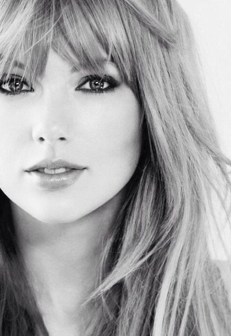Taylor Swift's beautiful eyes