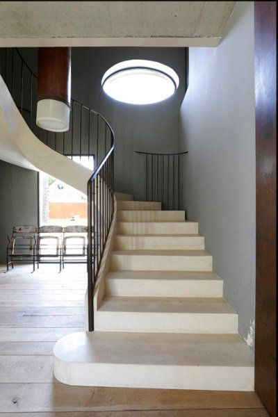 sculptural escalier en b ton par l architecte comme un. Black Bedroom Furniture Sets. Home Design Ideas