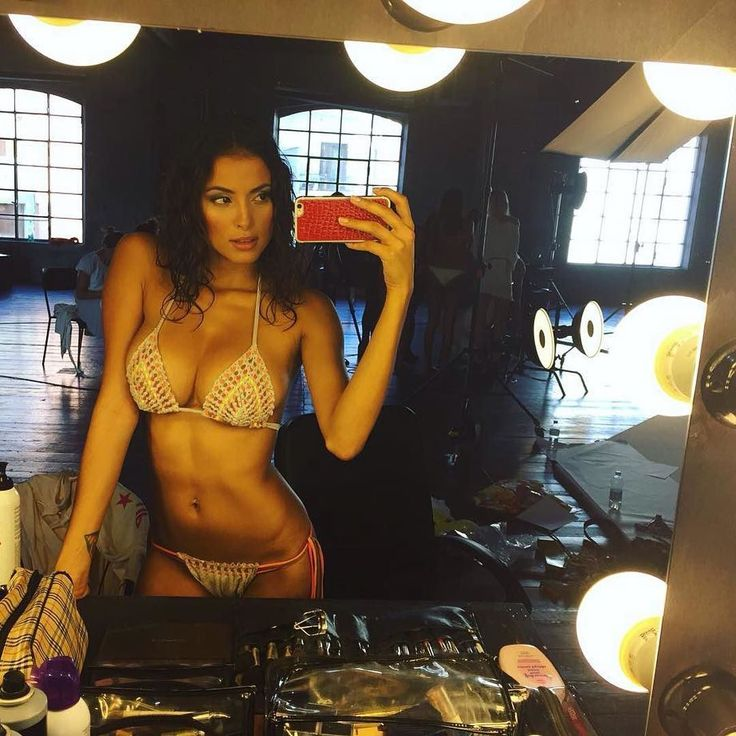 #Repost @marianarodriguez53 @pinupstars  Sex Bomb Babe  #pinupstars #backstage  #selfie #girl #beach #beachbody #loveit