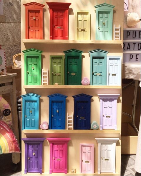 Las auténticas puertas para el ratoncito perez españolas,puertas ratón perez,puerta ratoncito perez,regalo original niños.Toothfairy door,baby deco,kids deco trend, colors, tonalidades.