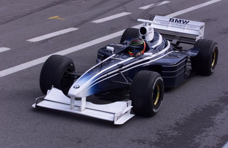 Jorg Muller test drives the BMW-powered Williams FW20, A1-Ring, Austria, 1999
