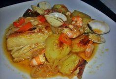 Bacalhau no Forno com Batatas ,Camarão e Ameijoas - Receitas Para Todos os Gostos