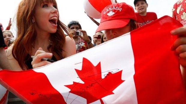 "Carly Rae Jepsen or the symphony? This list of free concerts is your guide to Canada Day FOMO Sitemize ""Carly Rae Jepsen or the symphony? This list of free concerts is your guide to Canada Day FOMO"" konusu eklenmiştir. Detaylar için ziyaret ediniz. http://www.xjs.us/carly-rae-jepsen-or-the-symphony-this-list-of-free-concerts-is-your-guide-to-canada-day-fomo.html"