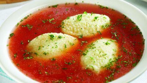 Bine ati venit in Bucataria Romaneasca Ingrediente (6 porţii) 2 kg roşii sau 1 l suc 2 cepe 1 căpăţână usturoi 2 morcovi 1 lingură unt 1 ţelină 1 linguriţă