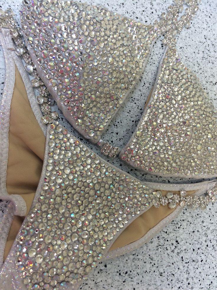 """""""Bubbles"""" DELUXE Luxe $550 Competition bikini – Ravish Sands"""