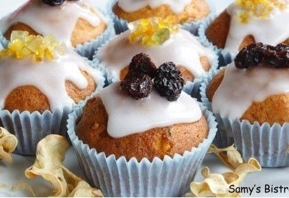 Rumos-túrós muffin kandírozott citrushéjjal