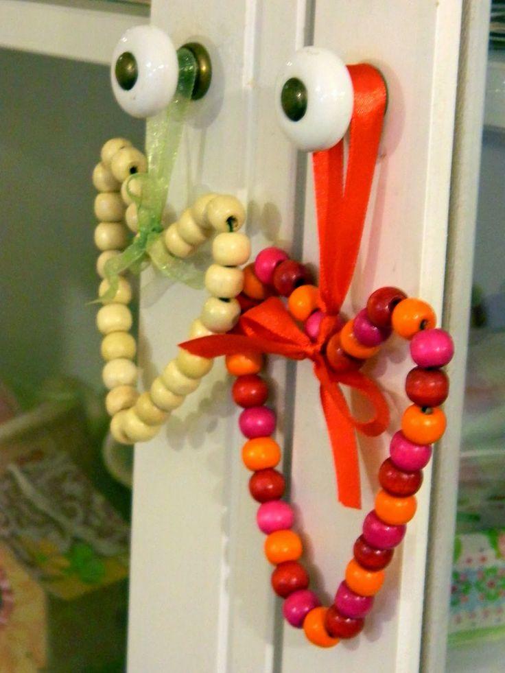 Srdíčka z korálků - soutěžní návod - Tvoření od IVETULE