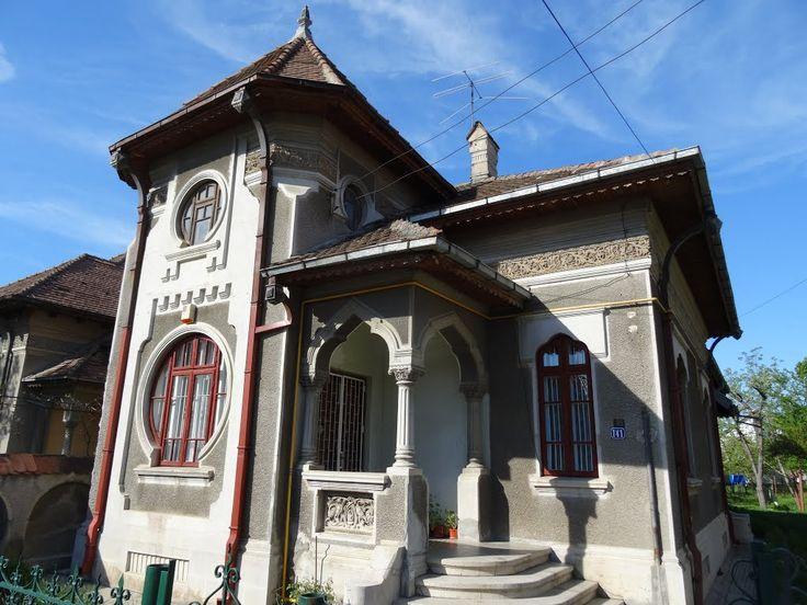 Ogivele neogoticului ecleziastic moldovenesc în neoromânescul de la Târgoviște