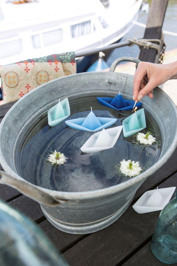 Unsere Schwimmkerzen In Form Von Kleinen Papierschiffchen Sind Das Perfekte Accessoire Fur Eine Stimmungsvolle Tischdekoration Gartenparty Schwimmkerzen Kerzen