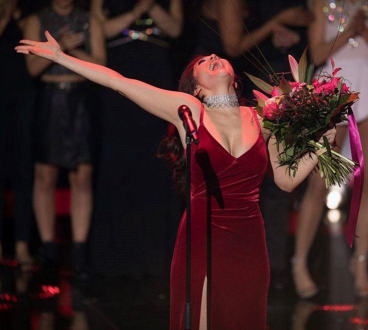 CRISTALLINI #EveningDress #RedDress #Velvet #Glamour #Prom #RedCarpet #Fashion