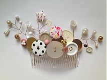 hair comb with buttons and beads