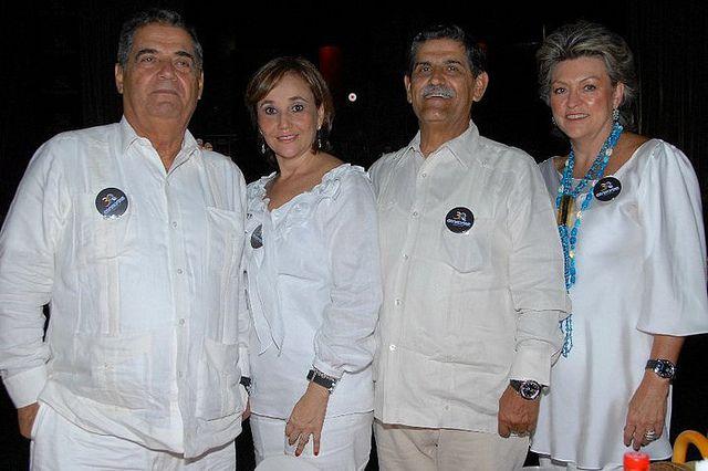 César Jaramillo, Elizabeth Gutiérrez, Hugo Jaramillo y María Luisa Restrepo de Jaramillo. Fiesta Conalvias 30 años en la Carpa Delirio en Cali. | Flickr