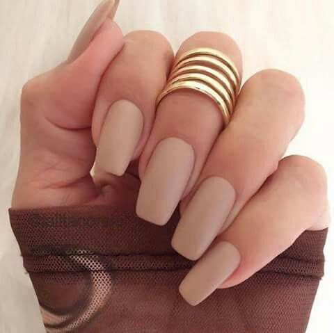 Nude square nails