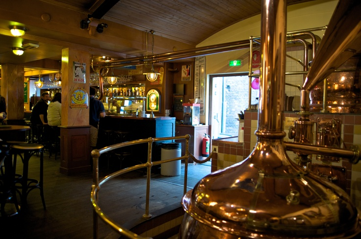 ENTERTAINMENT. De Bekeerde Suster. Its got the brew tanks, its got the beautiful hardwood interior, its even got the history  a 16th-century brewery-cloister run by nuns. Stop in for a meal of pub grub, or make it the start of an evening on Nieuwmarkt.