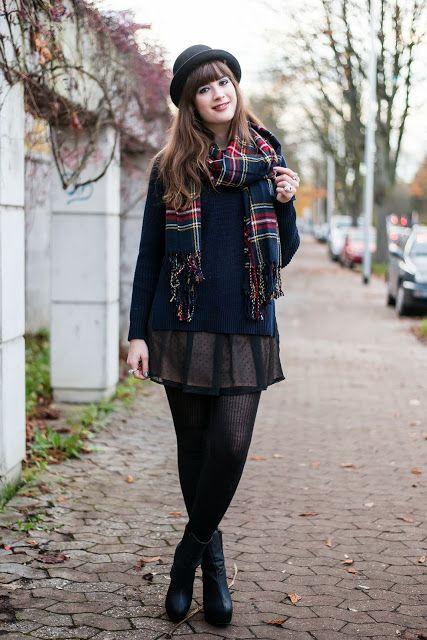 Layering mit Pullover und Kleid, Outfit mit Hut